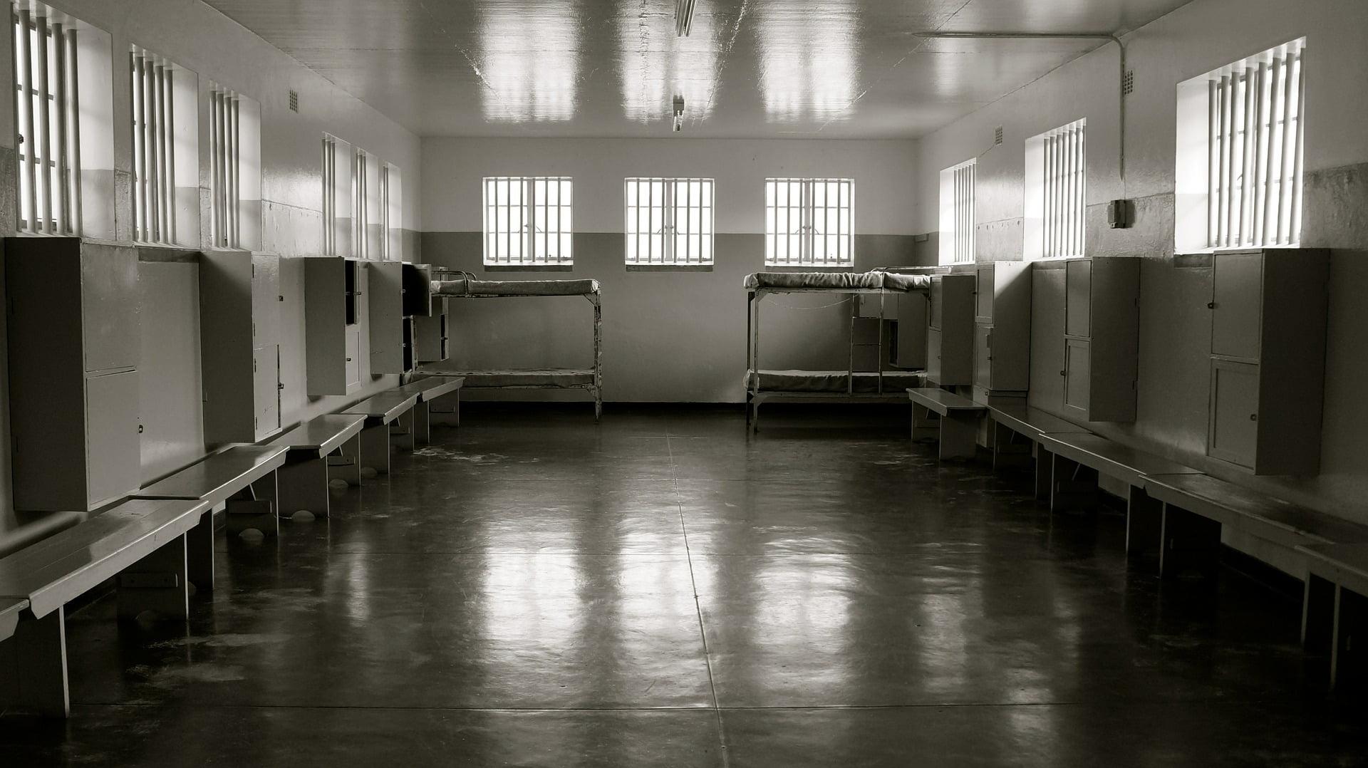 prison 589020 1920