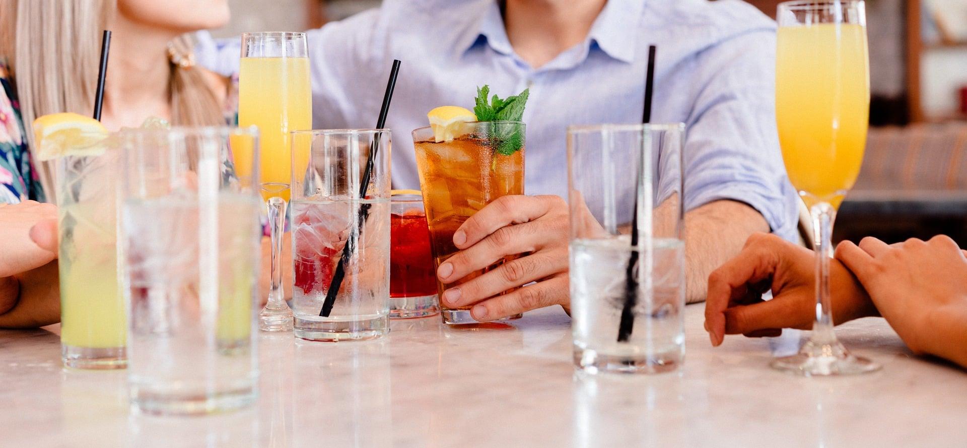 cocktails 1149171 1920